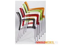 Мебель для баров и кафе: Стопируемые стулья для летнего кафе, фуд-корта